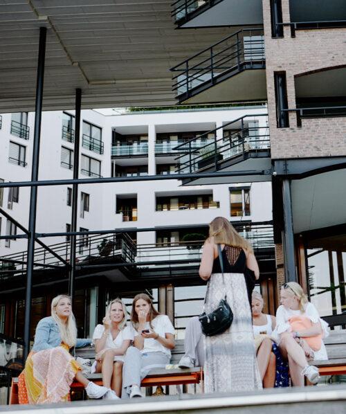 girls seen in marina while walking in Oslo